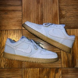 Nike gray suede shoes